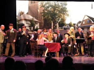 foto 140 jr VMK, theateroptreden Amphion 161113 (dorpsplein)